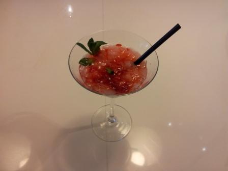 Coctel de fresa y menta
